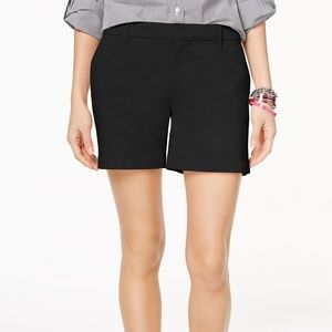 Tommy Hilfiger Women's Black Chino Shorts Size 6